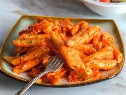 Лесен сос за спагети без кайма с водка, сметана и домати - снимка на рецептата